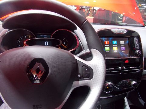 Renault connected car